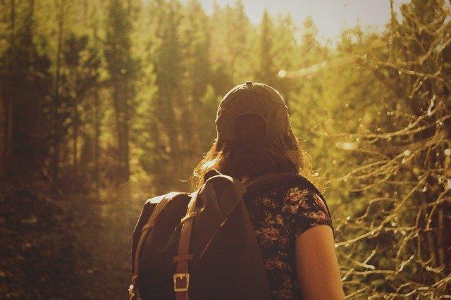 Raisons et avantages de voyager seul